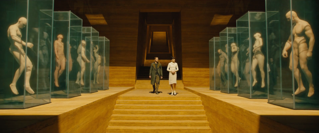 Interior Wallace Corp. Imagen: Blade Runner 2049 Trailer. Blog Pin Estudio